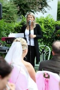 Hochzeitssängerin Alexandra-Michaela